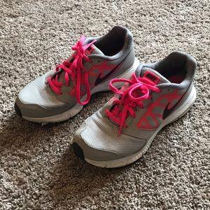 size 5 nike tennis shoes